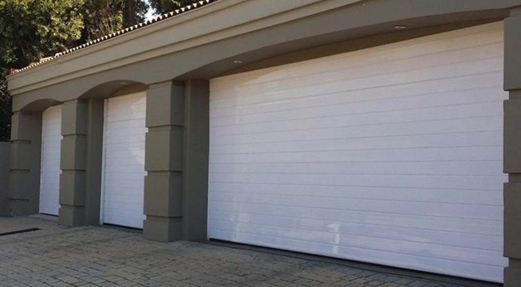 SINGLE AND DOUBLE ALUMINIUM WHITE HORIZONTAL SECTIONAL OVERHEAD GARAGE DOORS & Aluminium Garage Doors | Sa Garage Doors